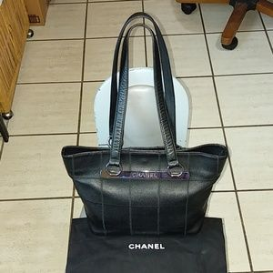 Authentic Chanel Tote Shoulder Bag Caviar skin